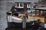 Kanalda yaşlı tekneler