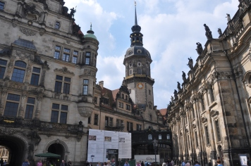Saray ve saat kulesi