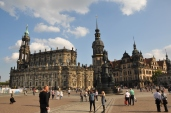 Eski şehir meydanı ve saray