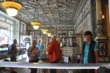 Pfunds Molkerei dükkanı içi